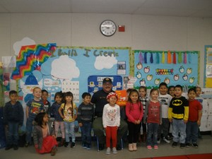 Officer Vargas with Aileen Colburn preschool students