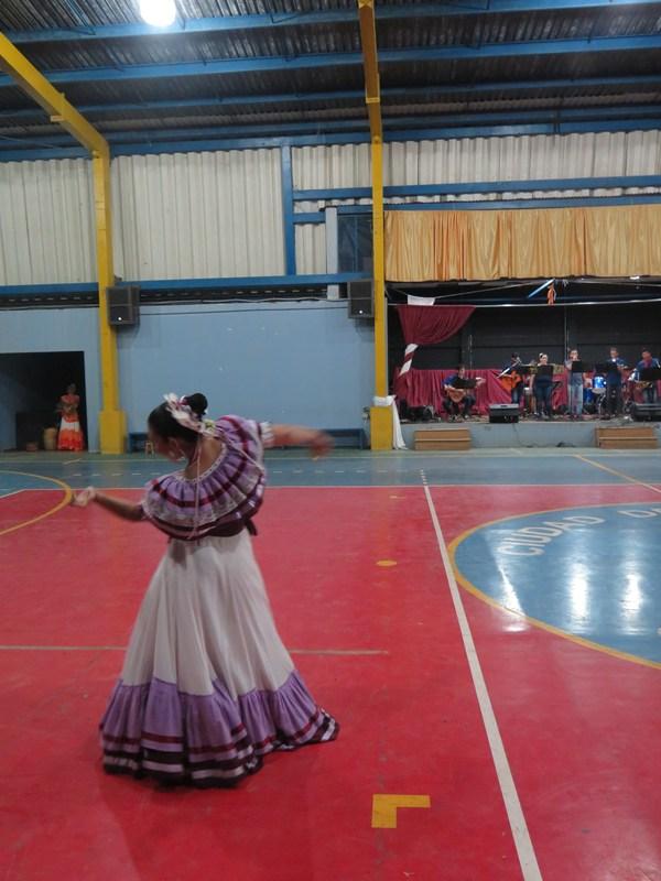 JAM TEC y Tierra y Cosecha deleitan con un espectáculo folclórico. Featured Photo
