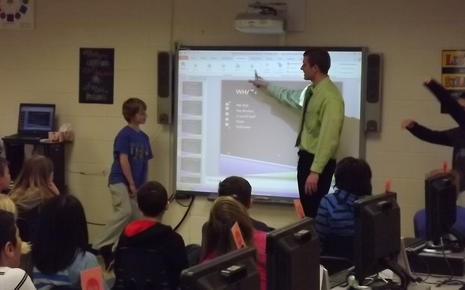 Students using technology to learn presentation skills