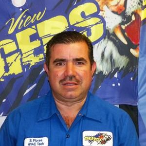 Simon Flores's Profile Photo