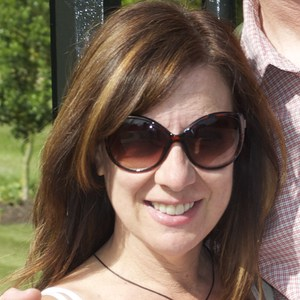 Julie  Young`s profile picture