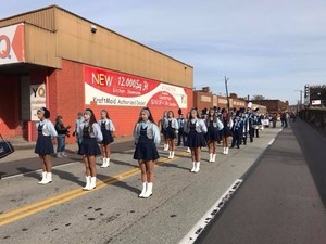 Crusettes at Veterans Day Parade