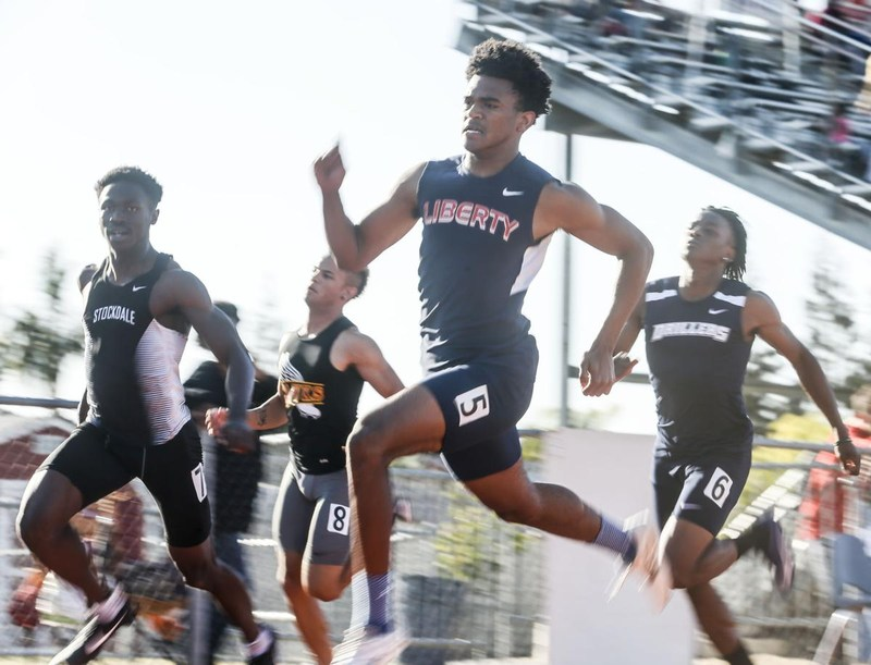 Ramon Henderson Wins 100 Meter Race Thumbnail Image