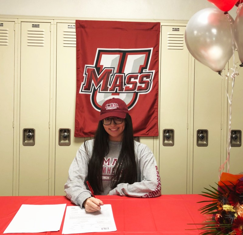 Mia Flagiello Signs with UMass Amherst Featured Photo