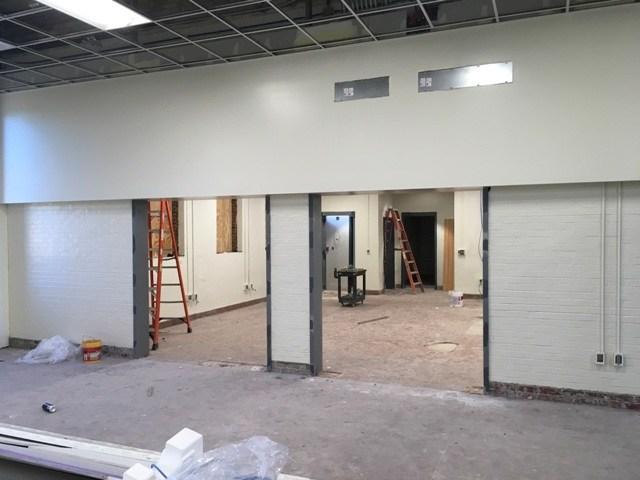 Photo of interior entrance to Springdale Elementary media center