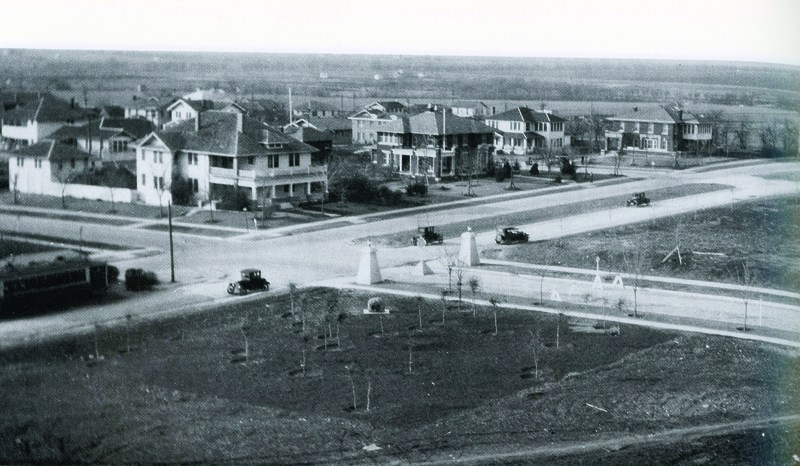 Early photograph of the intersection of Hillcrest Ave. and University Blvd.