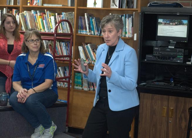 Lincoln School of Science and Technology's Tammy DeWolfe finalist for statewide principal award Thumbnail Image