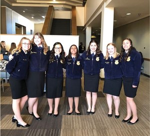 Seven Exeter FFA Students Attend Leadership Training in Sacramento