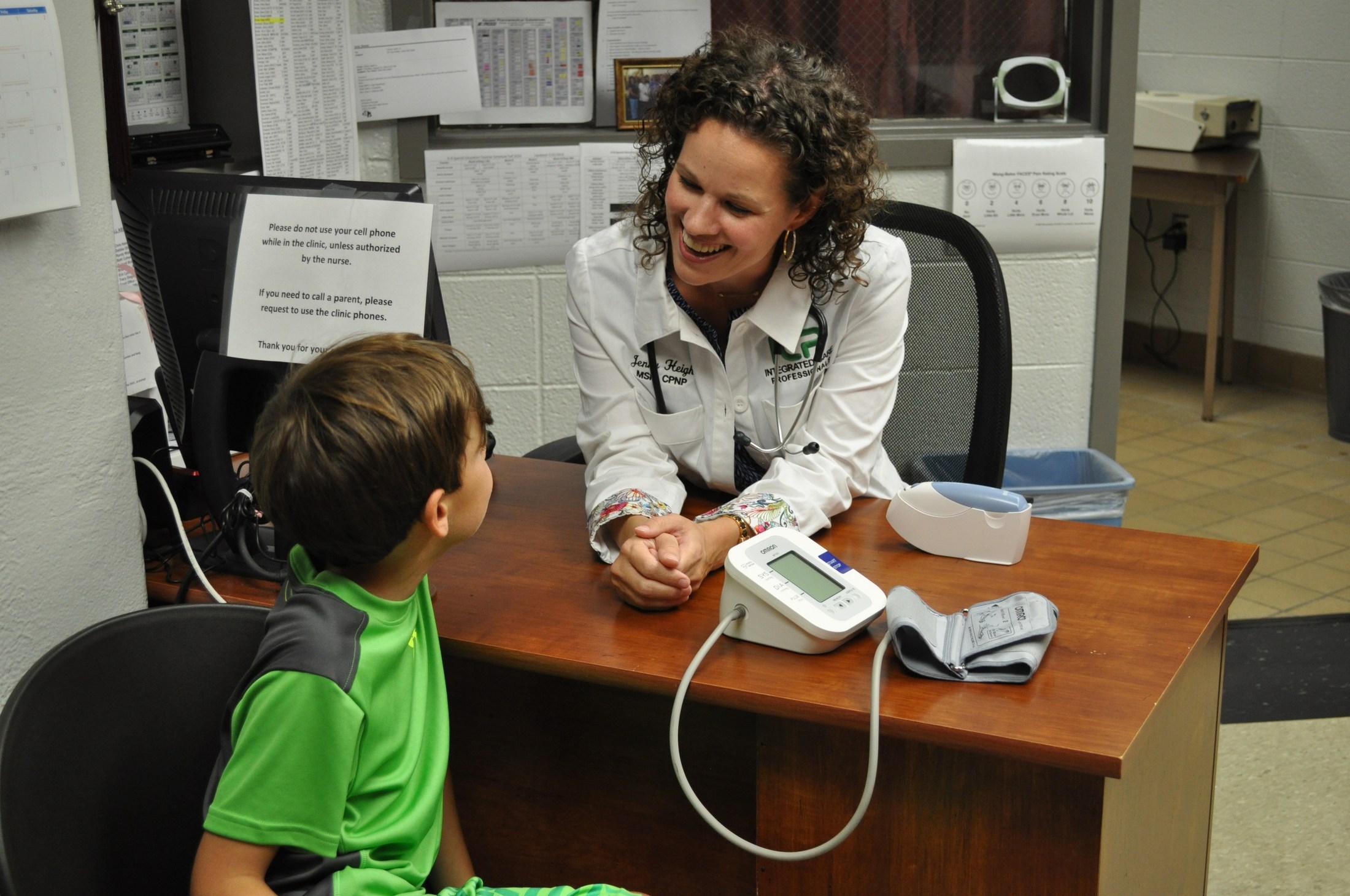 Telemedicine - Nurse with student