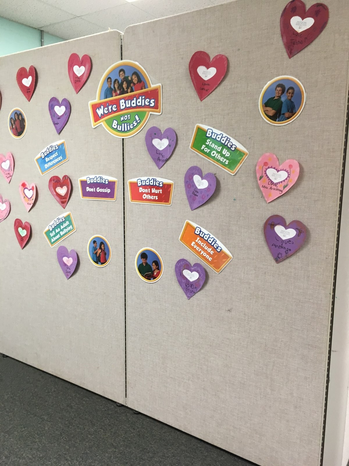 students say thank you to our counselor