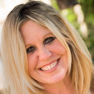 Laurie Jones-Curtis's Profile Photo