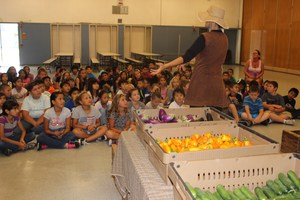 Clegg students learn about organic produce