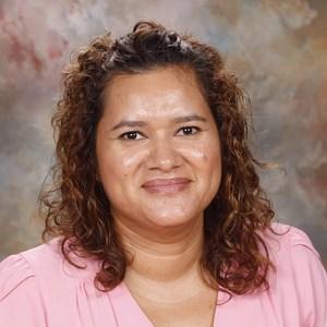 Claudia Velis's Profile Photo