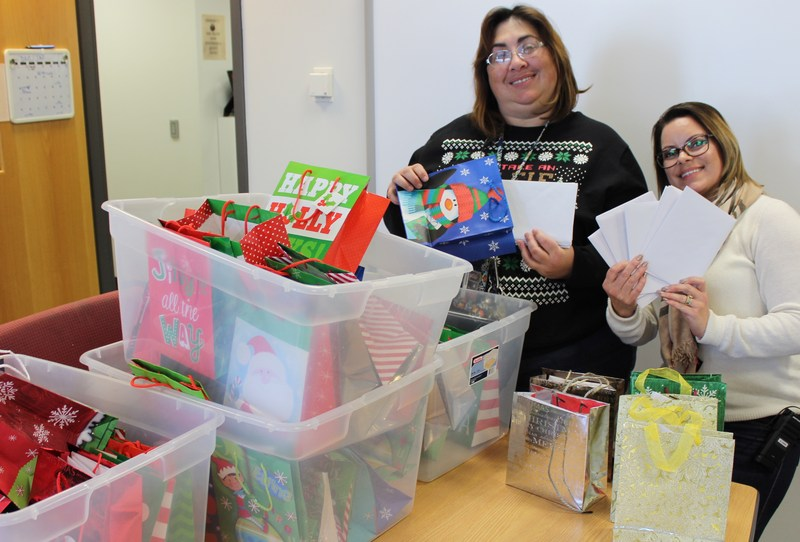 Heritage Students Participate In School-wide Pay It Forward Project Thumbnail Image