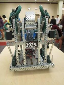 Robotics VEX 2011 004tn.JPG