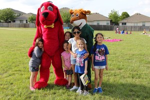 Jana Arnold, Brylee Pearson, Raylee Pearson, Anabella Elizondo, Laura Tyler and Liliana Elizondo visit with storybook characters Clifford the Big, Red Dog and Geronimo Stilton.