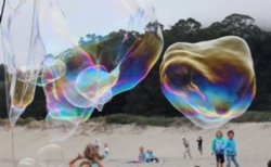 giant-beach-bubbles-resemble-ghostly-whales_w654.jpg
