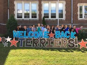 Welcome Back teacher photo fun 2017-2018.JPG