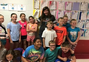 Mrs. Shastid and her students.