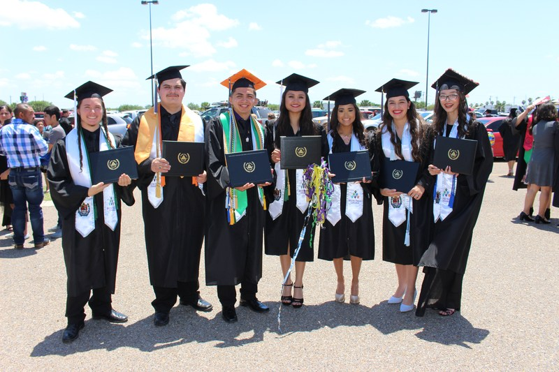 Vanguard Academy students graduate from South Texas College with Associates Degrees! Featured Photo