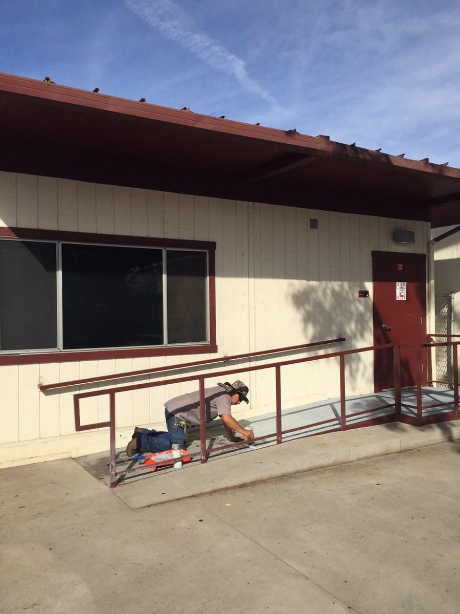 Painting metal ramp