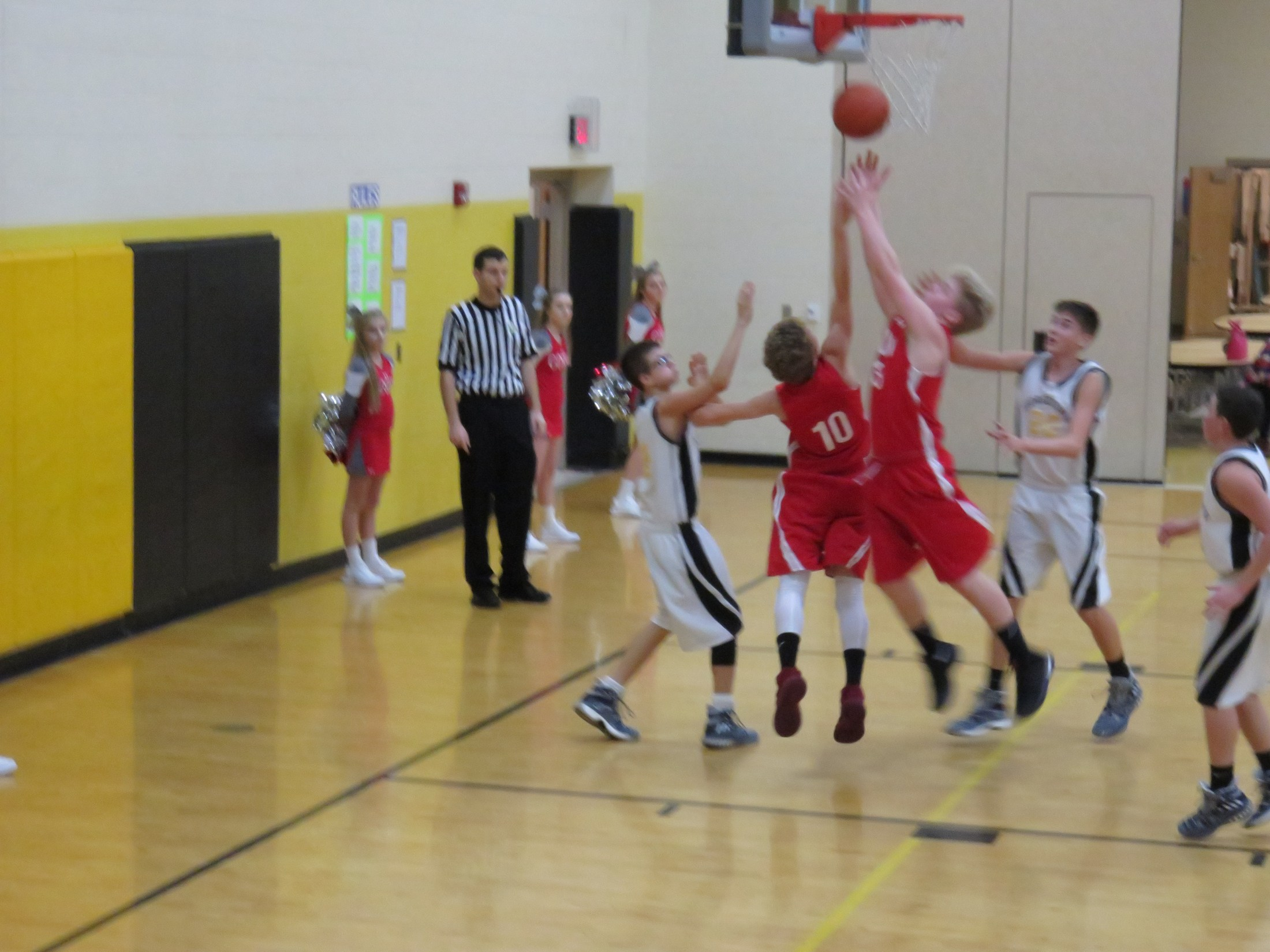8th grade boys basketball player Matthaus Beuchner