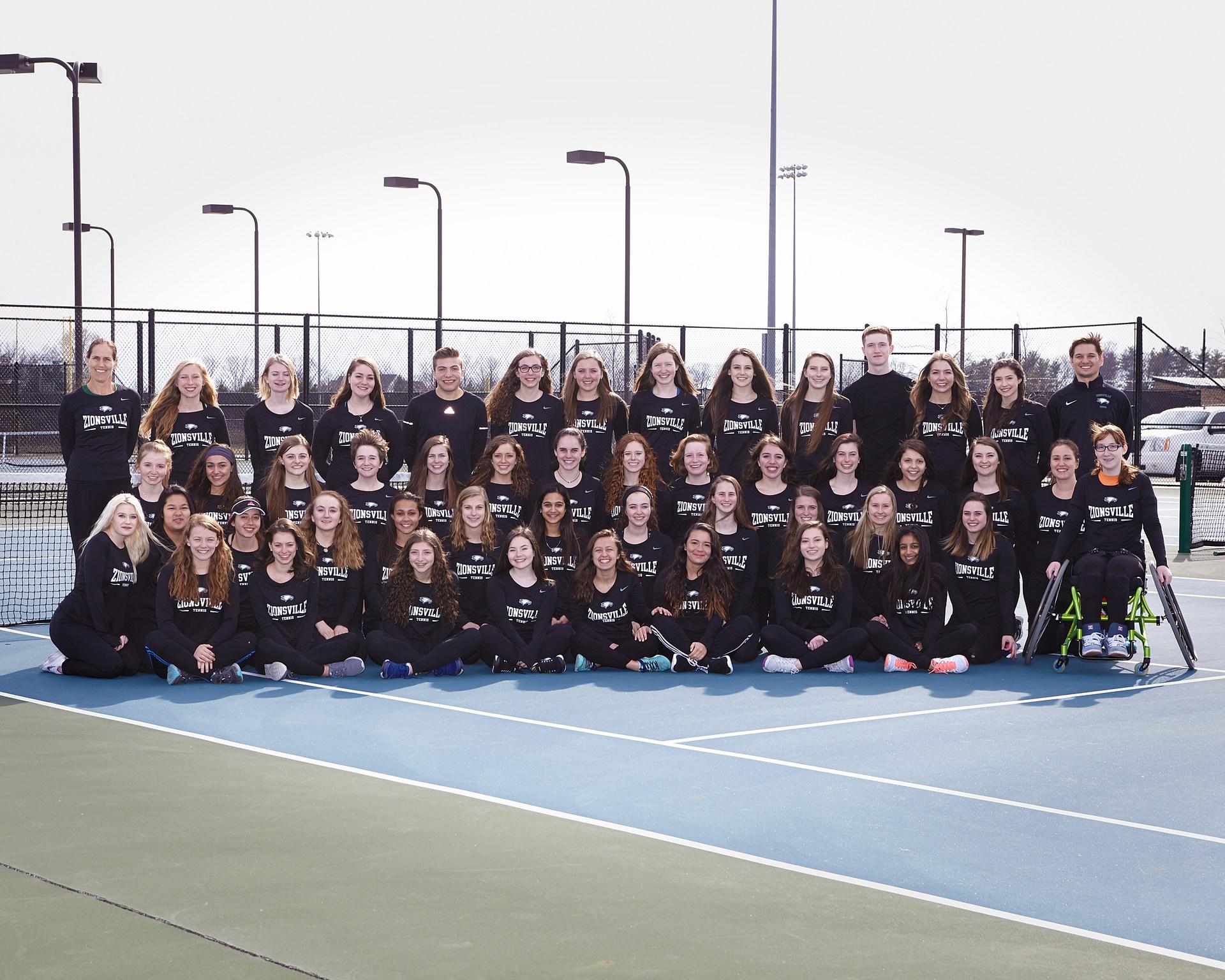 2018 Girls Tennis team photo