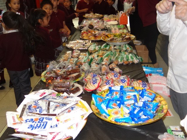 First 5th Grade Bake Sale Sells Out! Featured Photo