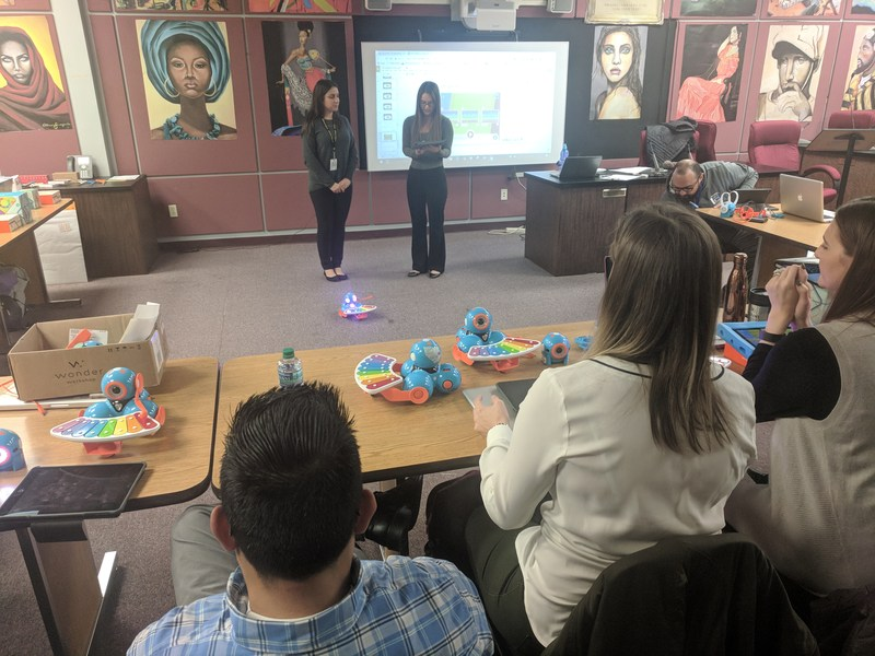 teachers at dash dot workshop