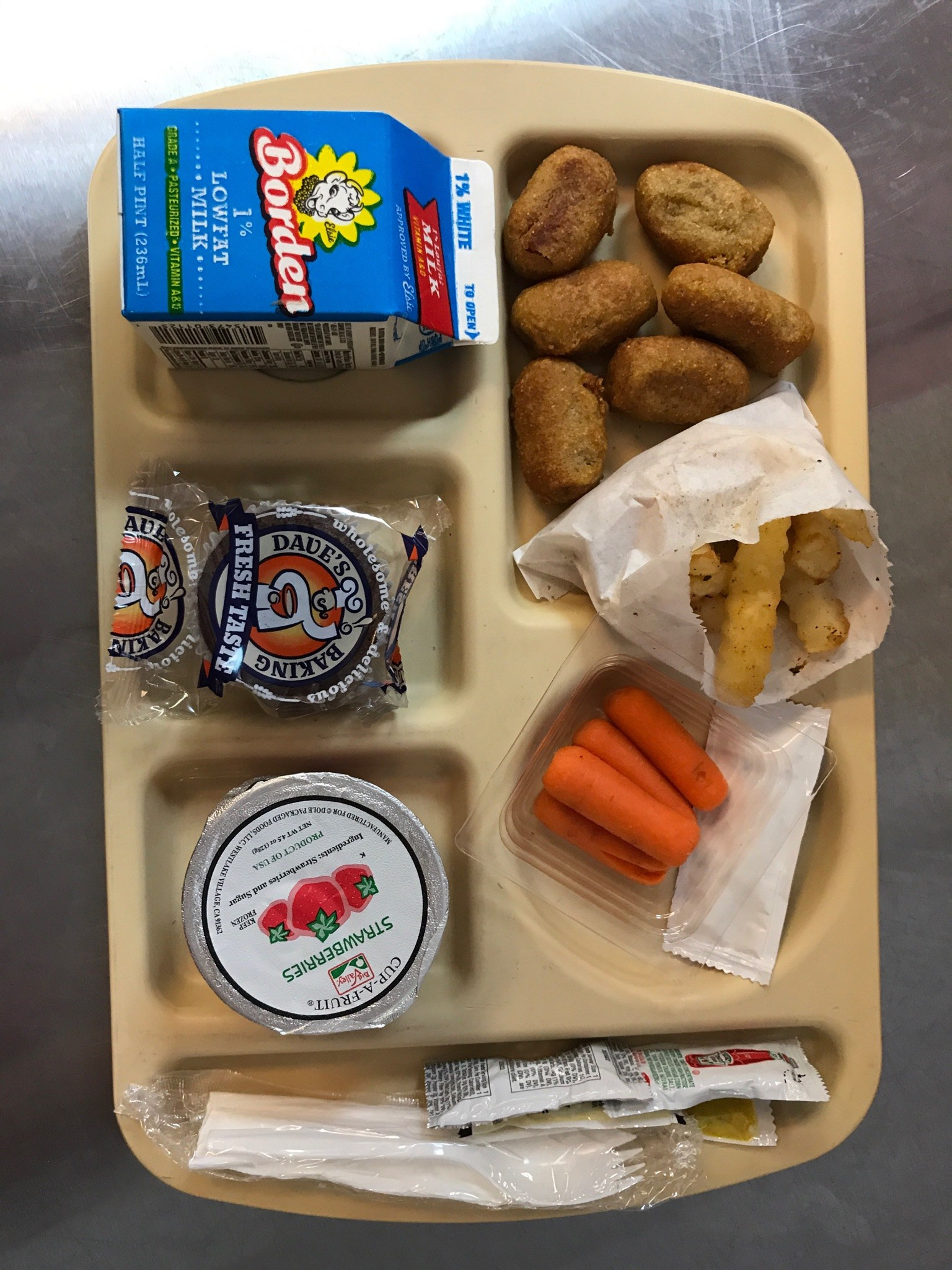 Corn dog nuggets lunch tray