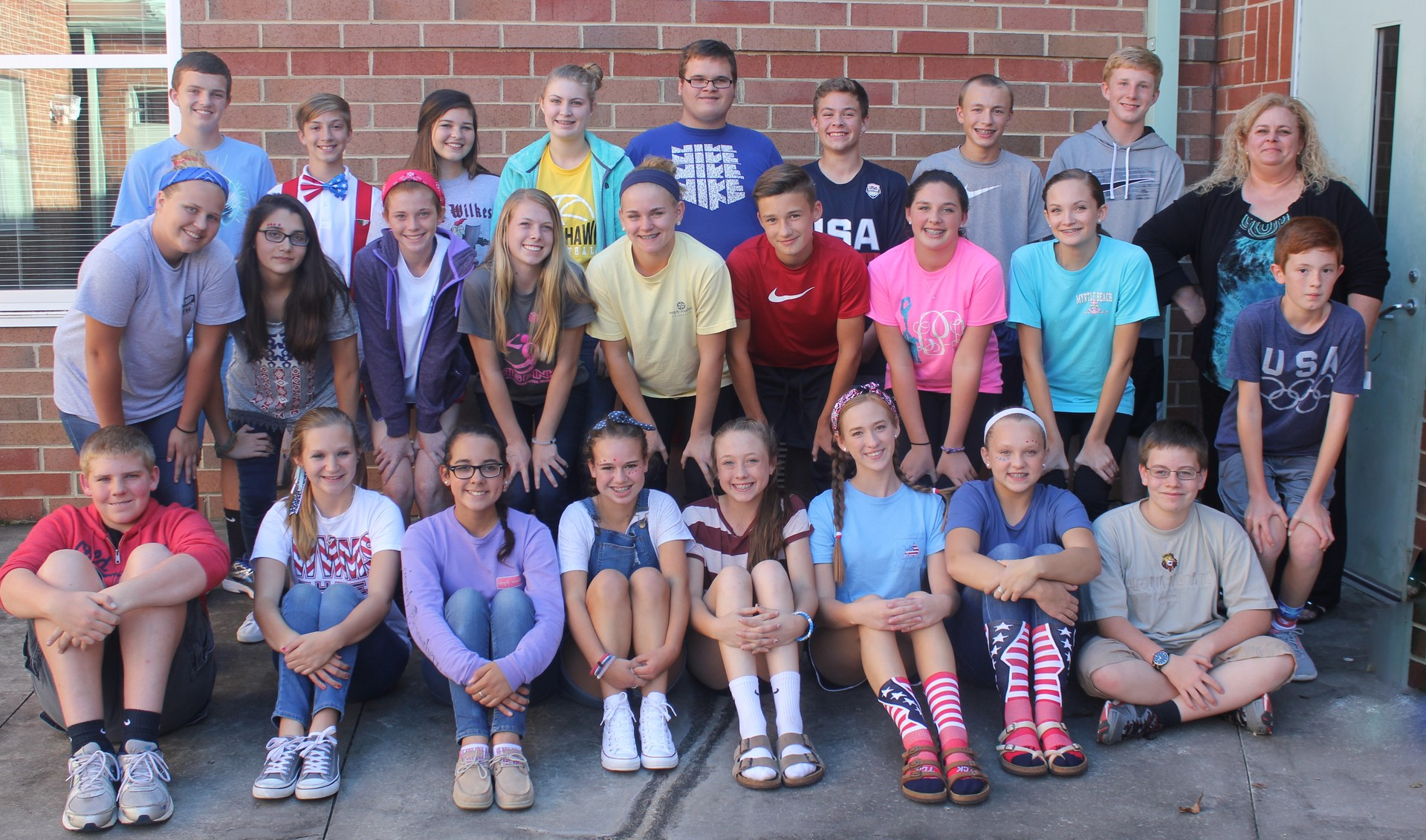 Image of 8th grade Beta Club students.