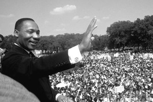 Dr. Martin Luther King Speaks to crowd