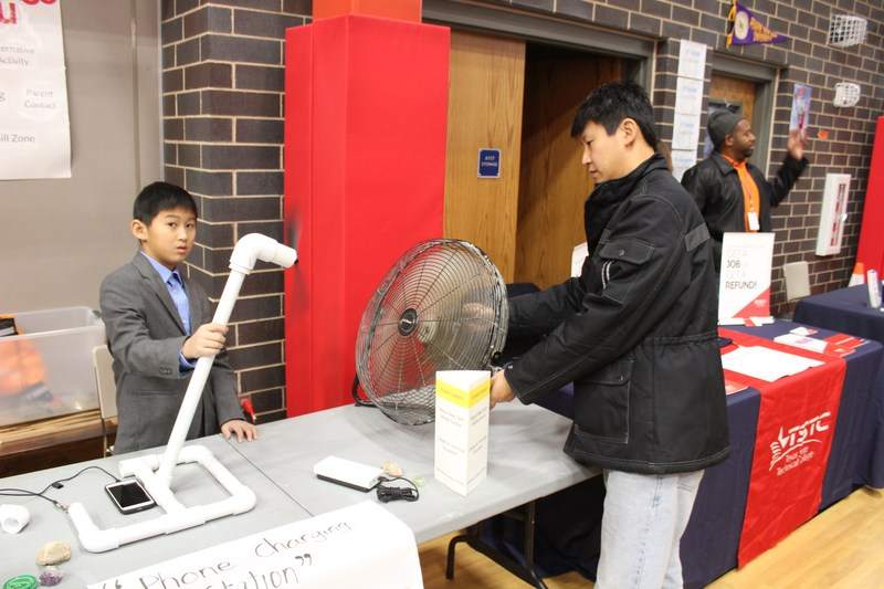 Inaugural Innovation Fair shows off students work to parent, staff, community members Thumbnail Image