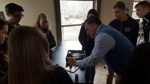 Students learn about fingerprinting at Gannon University
