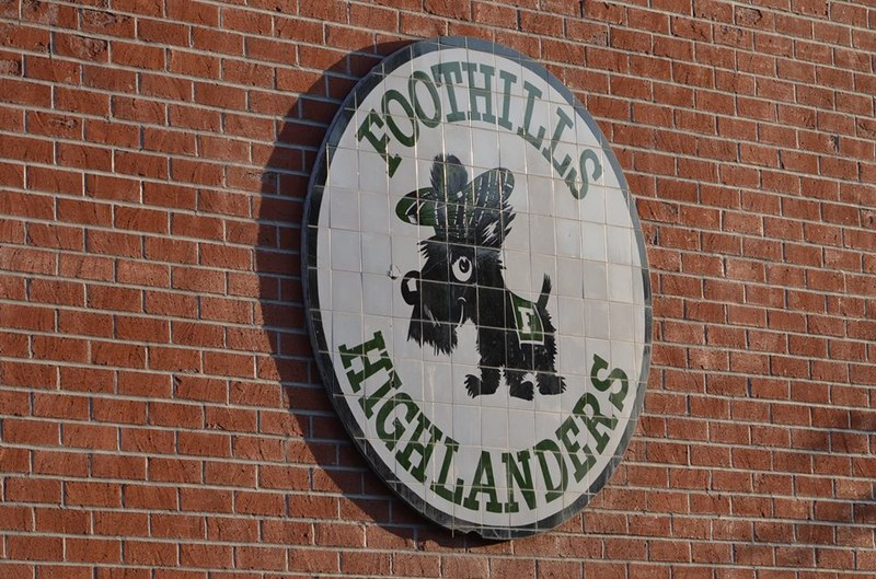 Foothills Middle School logo