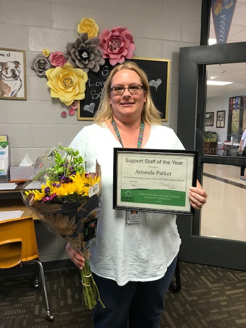 Shady Grove Selects Support Staff of the Year, Amanda Parker! Thumbnail Image