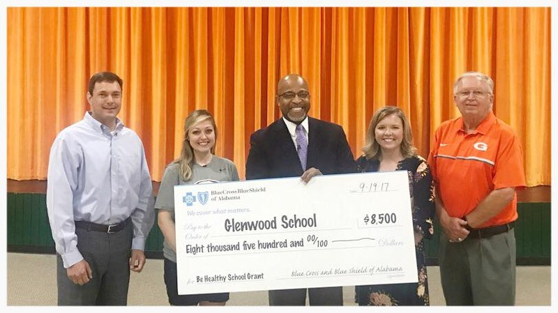 Glenwood Receives Blue Cross Blue Shield Grant Thumbnail Image