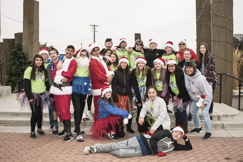 Frontier's Fuel Up To Play 60 Holiday Flash Mob downtown Moses Lake