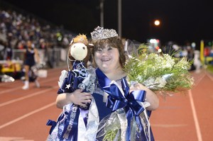Aimee Fregia is the Homecoming Queen for 2017!
