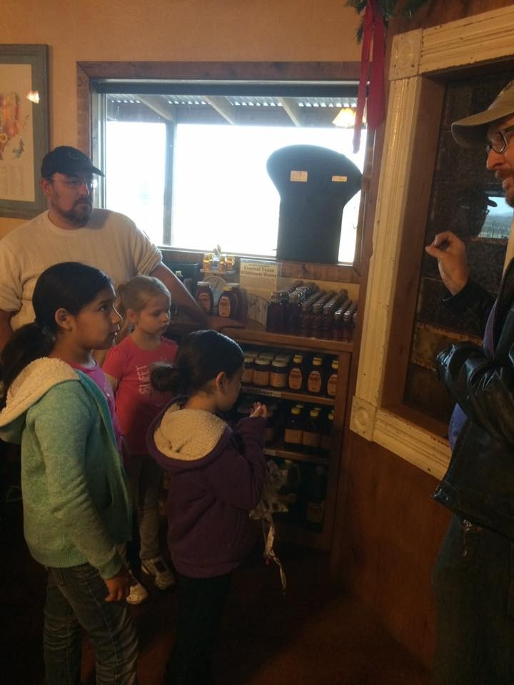 Field Trip to Walker Honey Farm