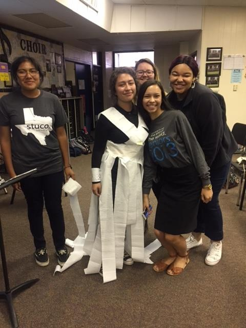 Choir Dress out of toilet paper